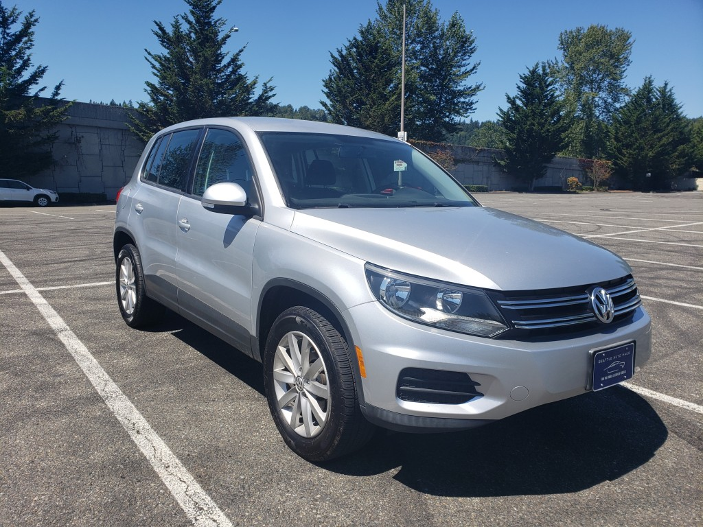 2013 VOLKSWAGEN TIGUAN - Manual Transmission