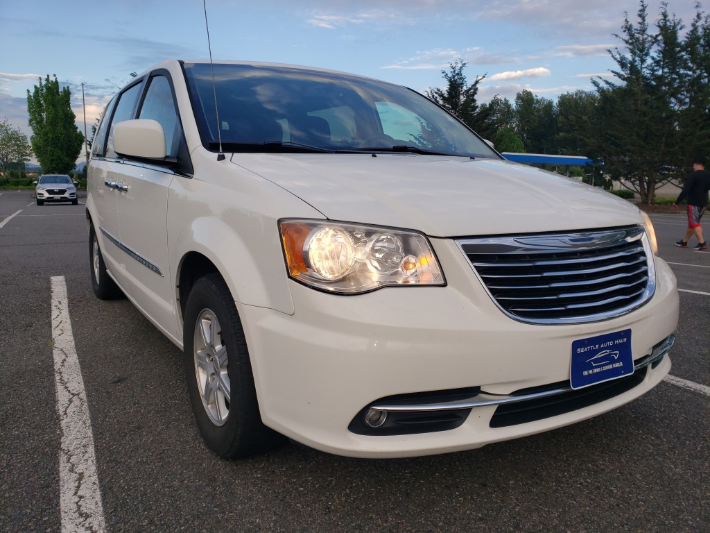 2012 Chrysler Town & Country, NEW Transmission, Camera, Leather