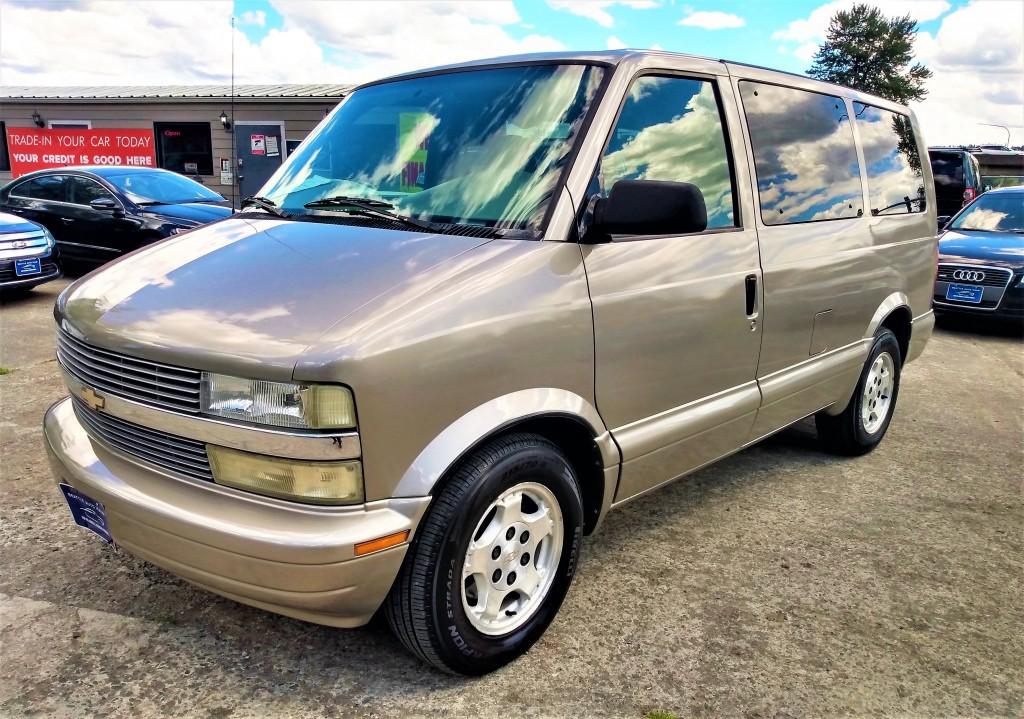 2004 Chevrolet Astro Touring Van